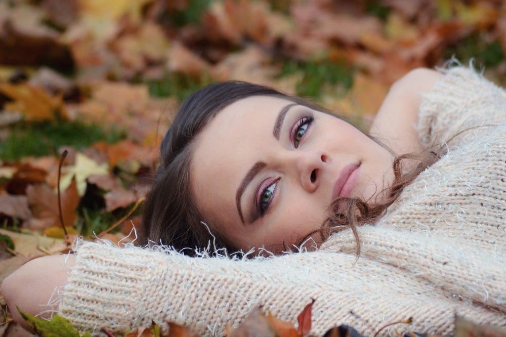 Jesień bez wychodzenia z domu – zadbaj o swój komfort