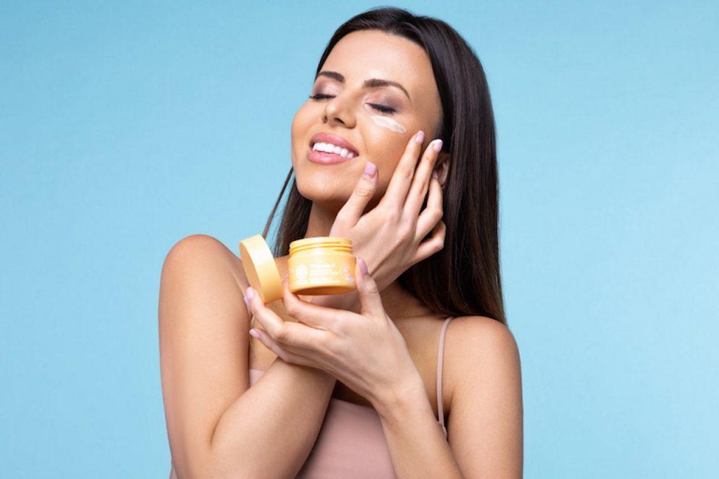 Pielęgnacyjny trend przyszłości – skóra chroniona przed niebieskim światłem!