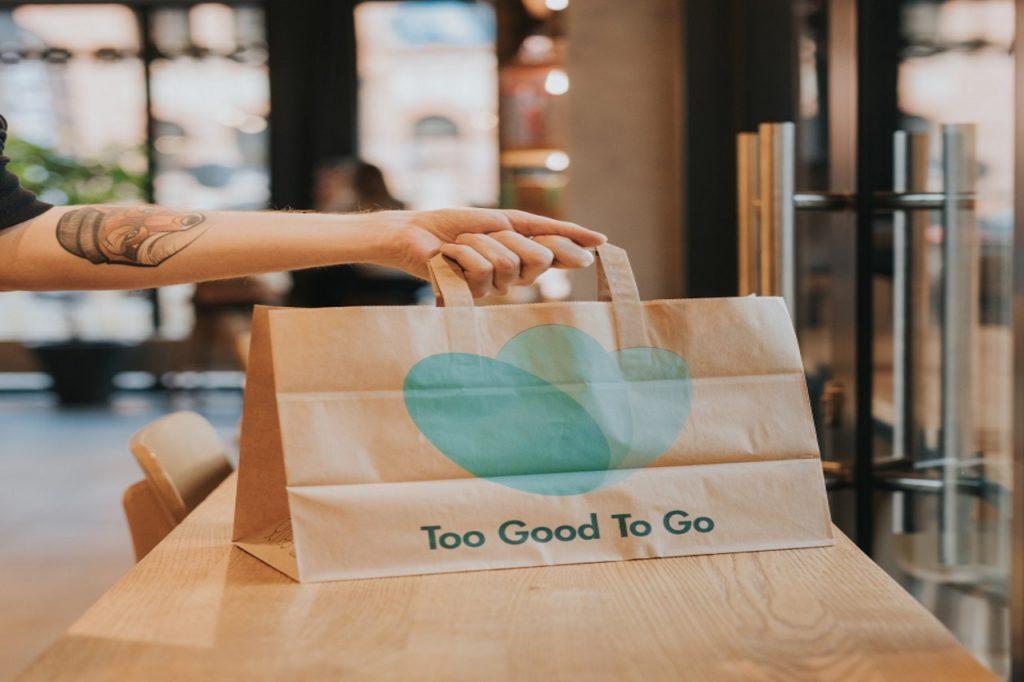 Starbucks podsumowuje pierwszy rok walki z marnowaniem jedzenia