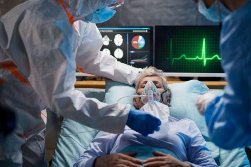 """Ordynator oddziału covidowego: """"Leczymy nie tylko ciała, ale też dusze"""""""