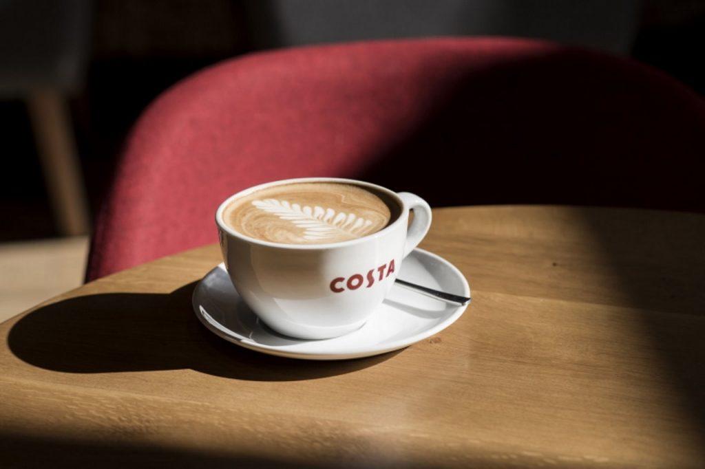Klasyczne smaki oraz intrygujące nowości – dwie strony menu Costa Coffee