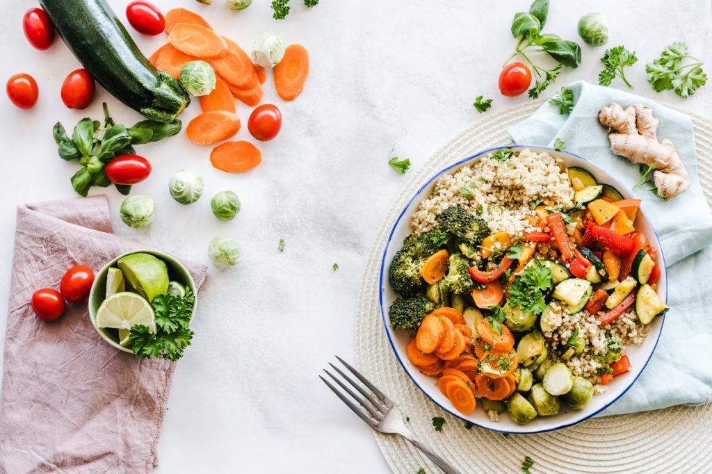Trzy zasady zdrowego odżywiania – o czym warto pamiętać?