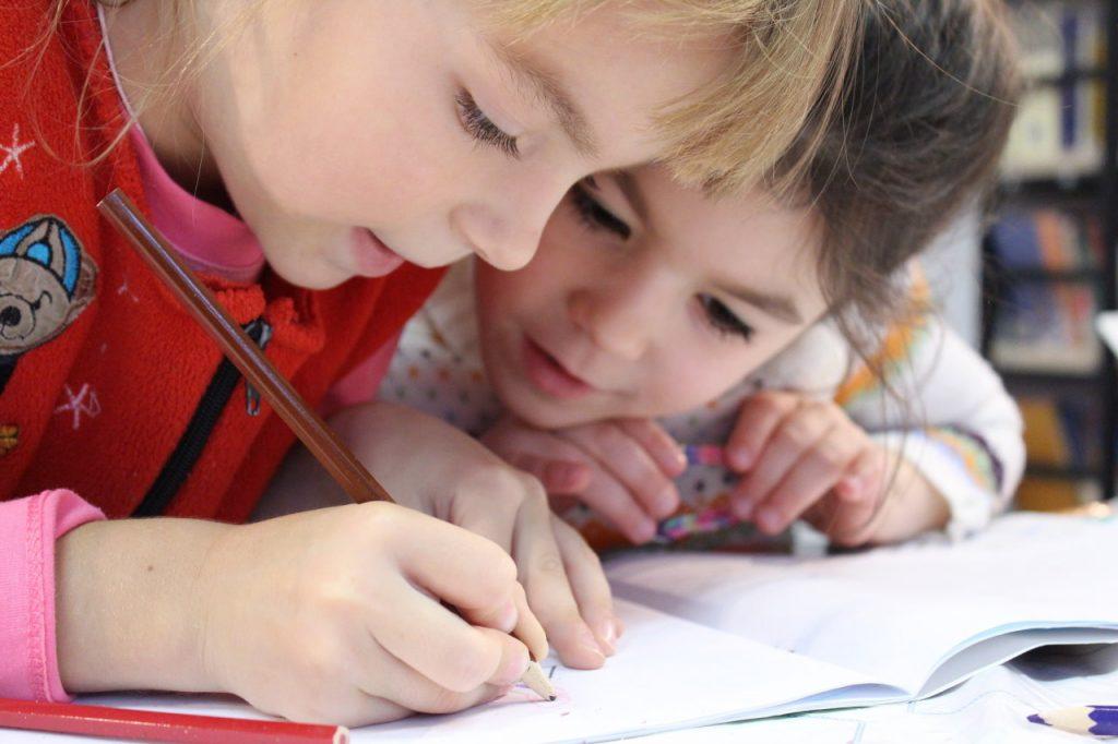 Kiedy jest możliwy powrót dzieci do szkoły – co na ten temat mówi rząd?